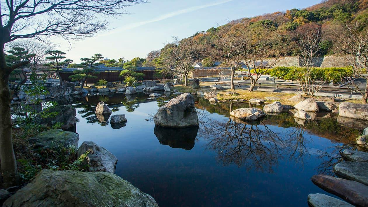 마쓰야마 성 니노마루 사적 정원